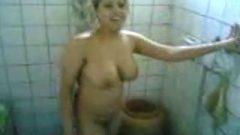 میلف ایرانی سکس در حمام با دختر کرد